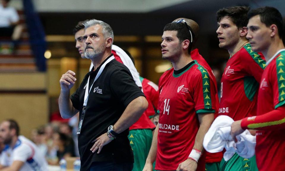 Andebol  Portugal inicia apuramento com vitória sobre Roménia ... b60e4711b04c6