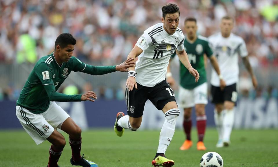 «Parece que Özil não quer jogar com a camisola da Alemanha»