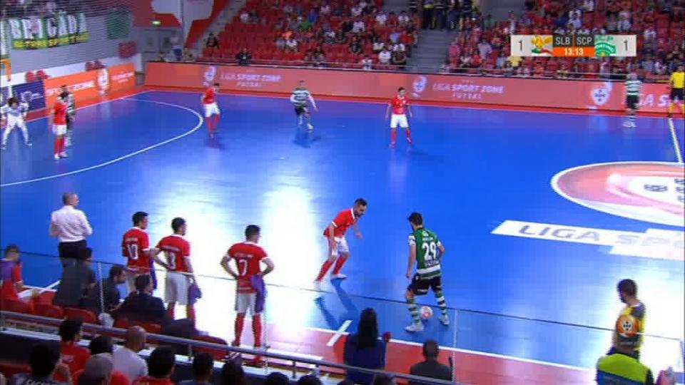 Árbitro do Sporting-Benfica de futsal agredido à chegada ao trabalho