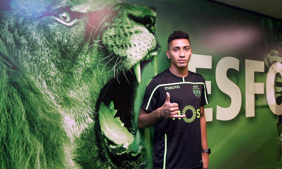 Raphinha assume que camisola do Sporting «pesa mais»