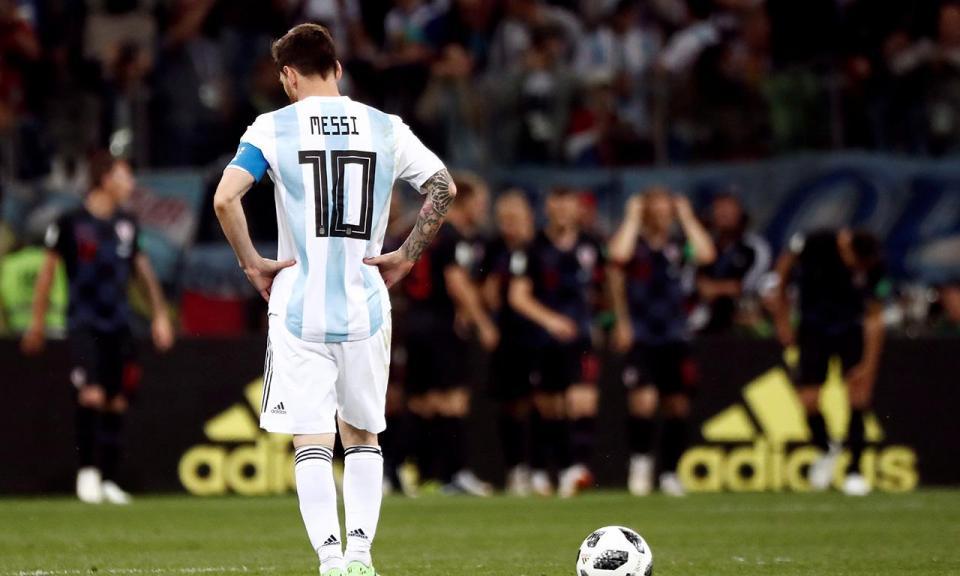 «Encontrei Messi, absolutamente só, a chorar como um bebé que perdeu a mãe»