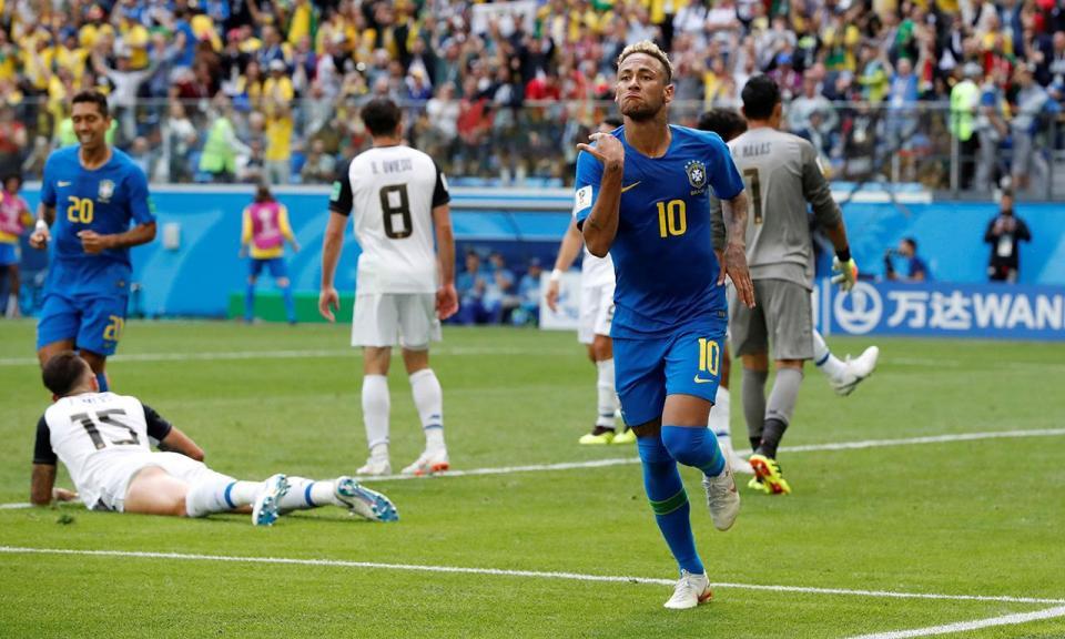 Brasil: pelo menos dois recordes no golo de Neymar