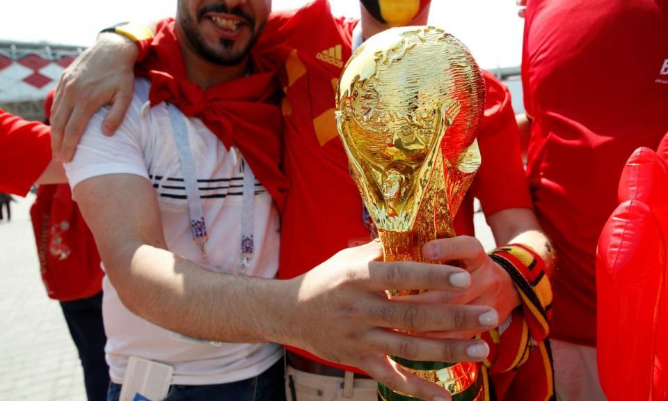 Mundial, dia 23: um intruso entre campeões