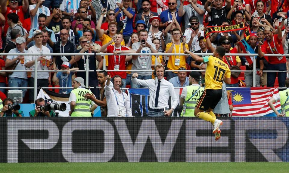 VÍDEO: golaço de Hazard e bis de Batshuayi na goleada da Bélgica