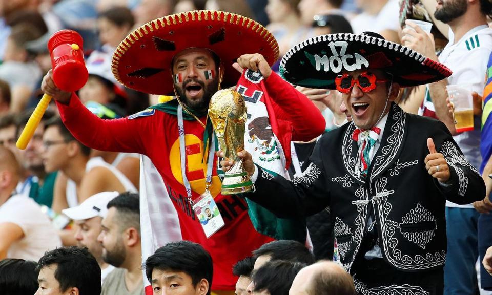 VÍDEO: multidão festeja em frente à embaixada da Coreia no México