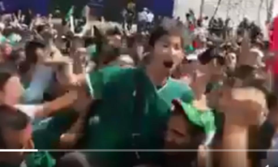 VÍDEO: mexicanos encontram coreano na rua... e levam-no em ombros