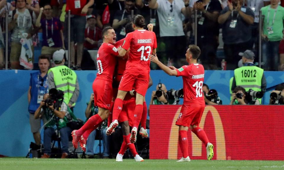 fab53c28d0 Mundial 2018  Suíça empata com Costa Rica e apura-se em segundo ...