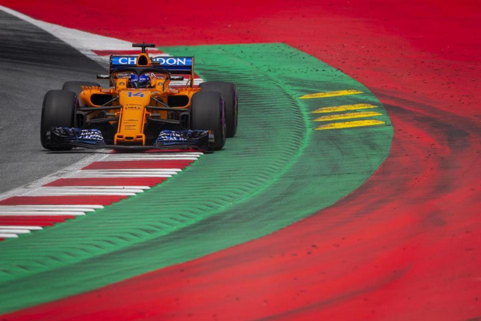 GP da Áustria: Alonso sai das boxes