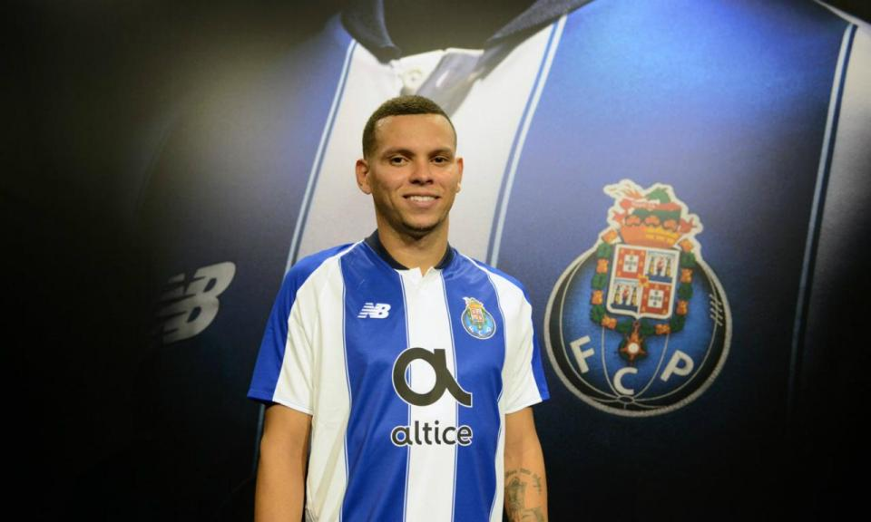 OFICIAL: Ewerton é jogador do FC Porto