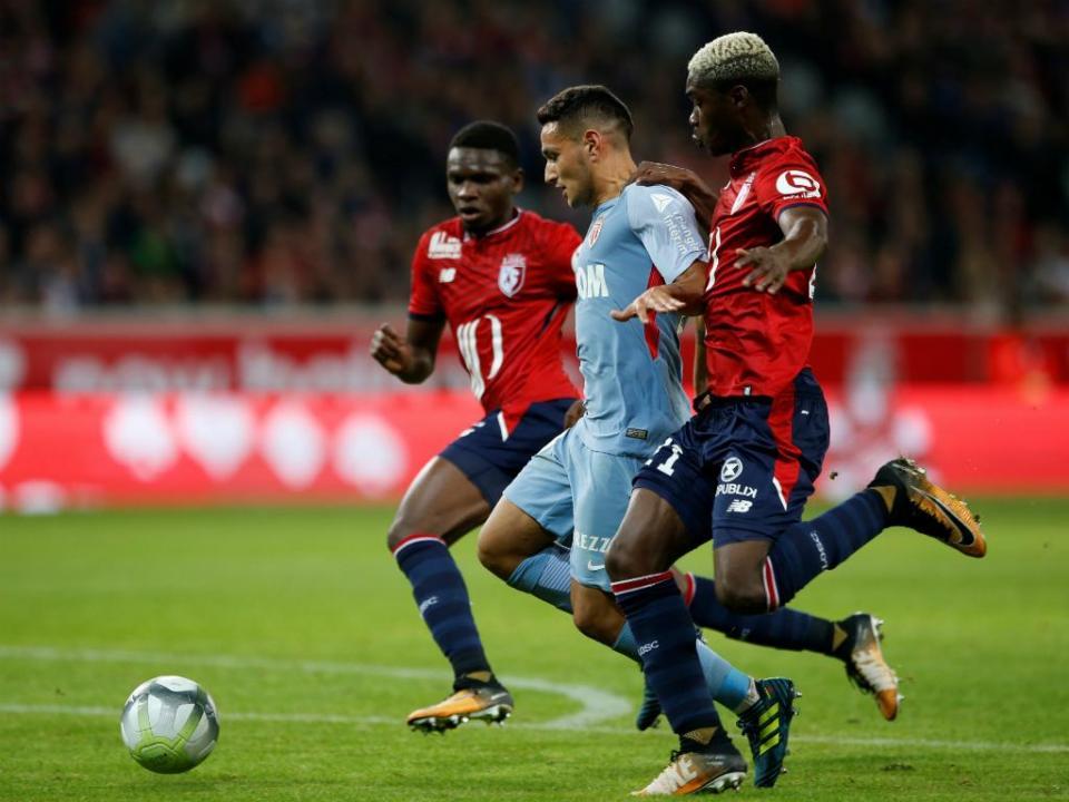 FC Porto negoceia Yves Bissouma, revela empresário