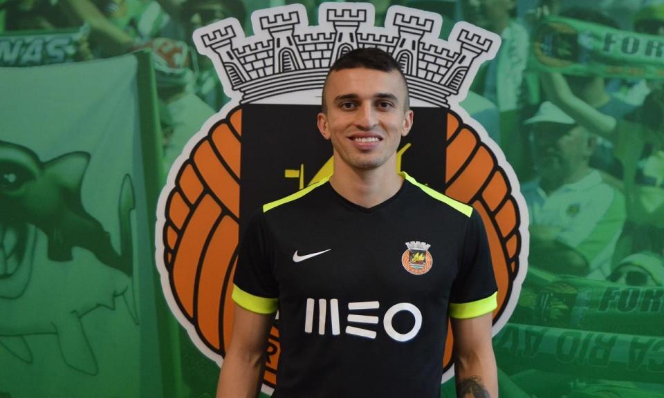Rio Ave oficializa contratação de João Schmidt