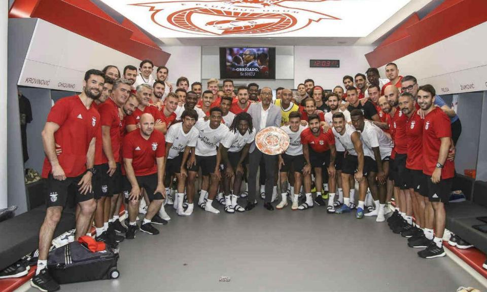 VÍDEO: a despedida de Shéu, que deixa de ser secretário técnico do Benfica