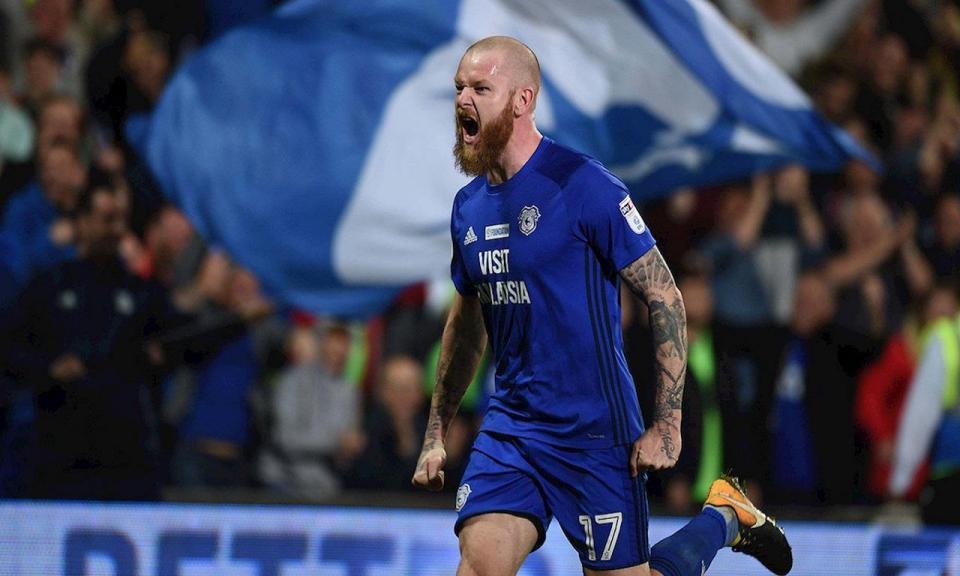 Inglaterra: Cardiff garante Aron Gunnarsson por mais uma época