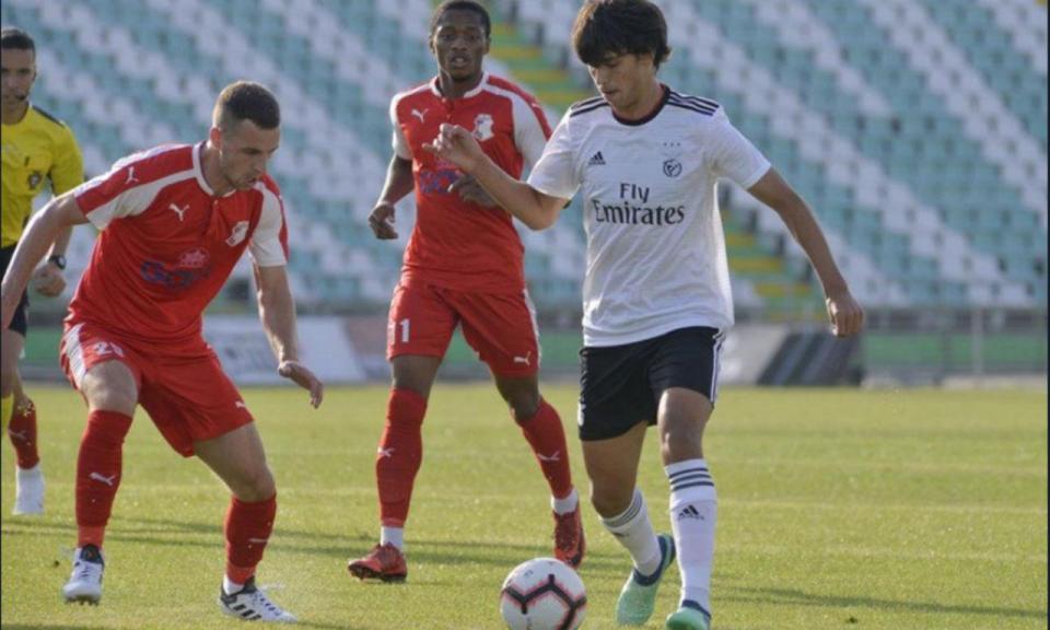 Benfica-Napredak: domínio das águias também da marca dos onze metros