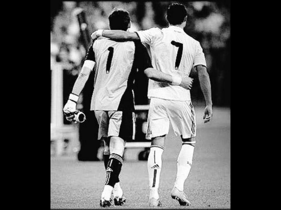 Casillas deixa mensagem a Ronaldo: «Tornaste o Real Madrid maior do que já era»
