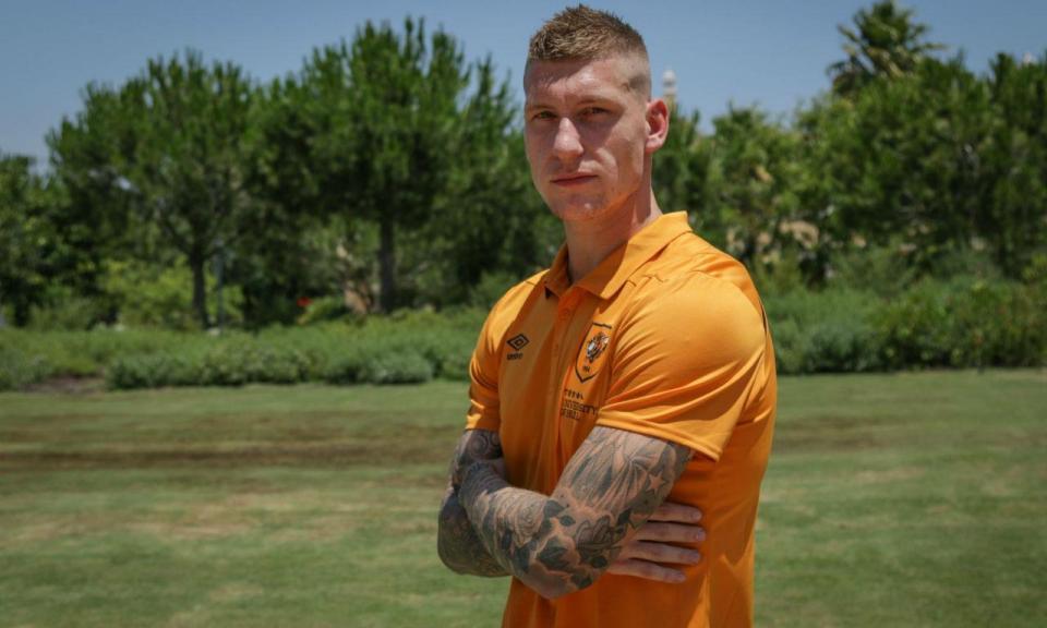 OFICIAL: Jordy de Wijs reforça o Hull City