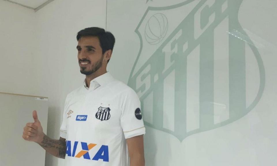 OFICIAL: Bryan Ruiz assina pelo Santos