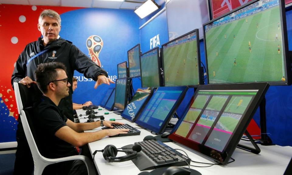 UEFA anuncia VAR na Liga dos Campeões