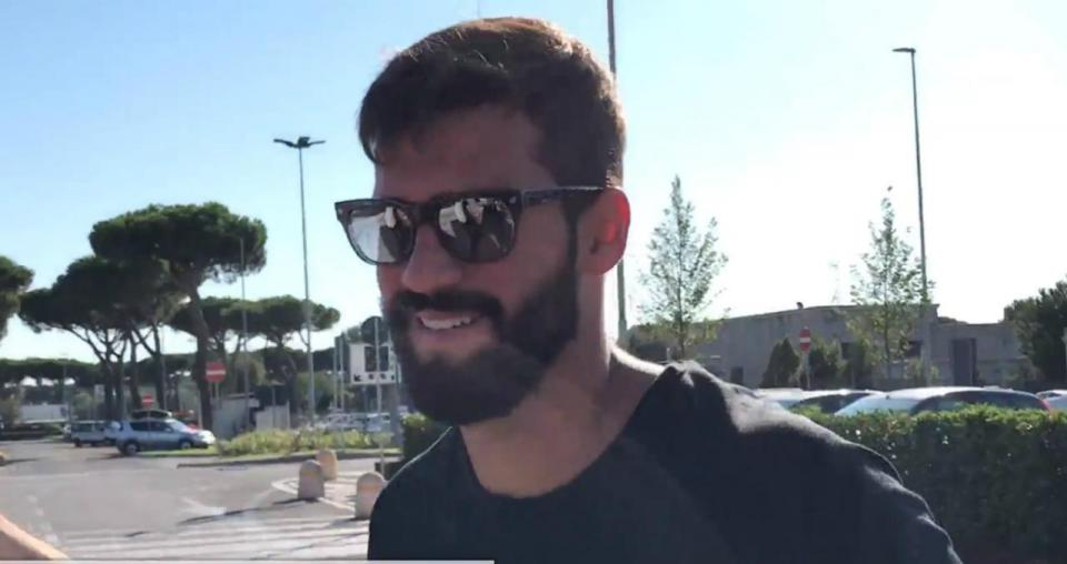 VÍDEO: Alisson despediu-se de Roma e viaja para Inglaterra