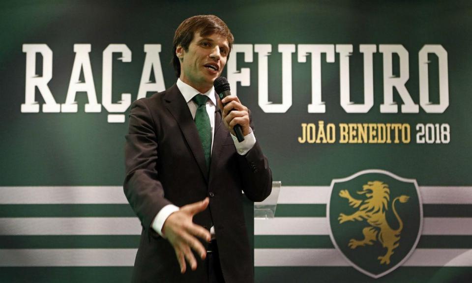 Sporting: André Cruz e Schmeichel na lista de João Benedito