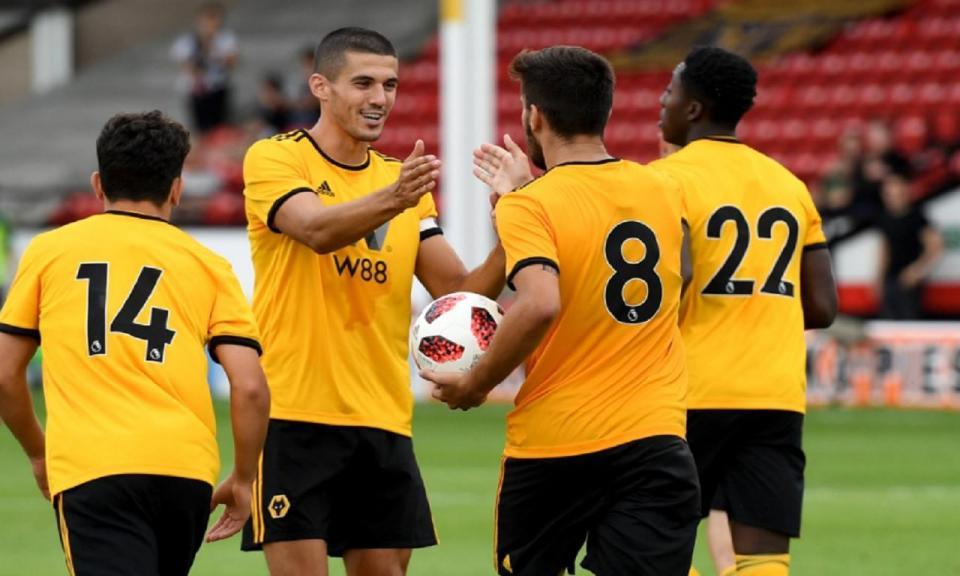 Patrício assiste de fora ao empate do Wolves com golo de Rúben Neves