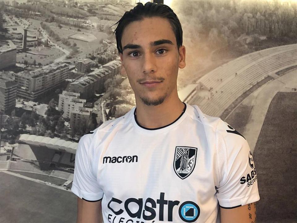 V. Guimarães contrata internacional sérvio para a equipa B