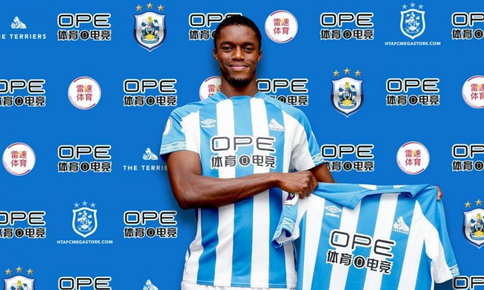Huddersfield anuncia contratação de avançado do Mónaco