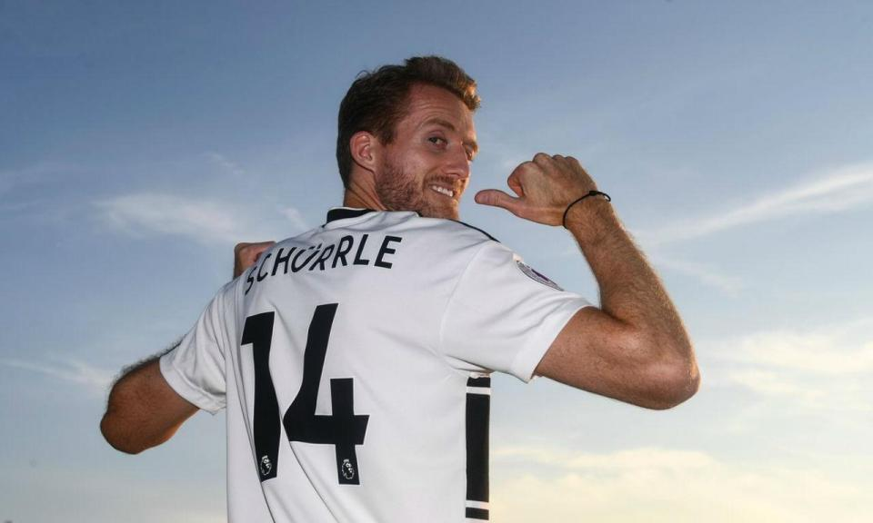 OFICIAL: Dortmund empresta Schürrle ao Fulham