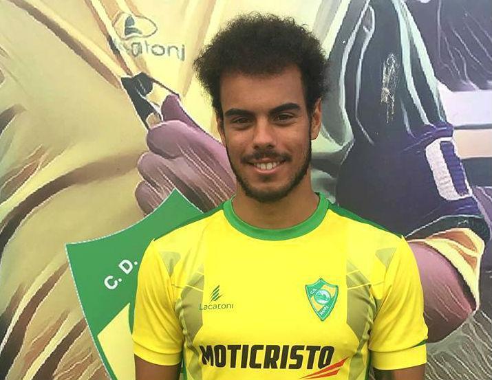 OFICIAL: Sporting empresta Pedro Ferreira ao Mafra