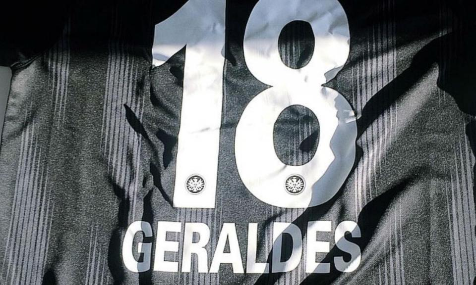 FOTO: Francisco Geraldes já tem número no Eintracht