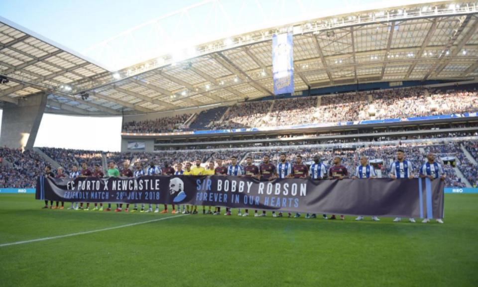 FC Porto-Newcastle: a homenagem a Bobby Robson no Dragão