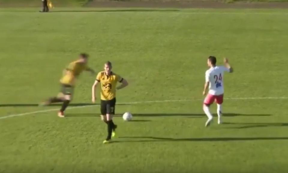 VÍDEO: golo antes do meio campo? Está aí e chega da Islândia