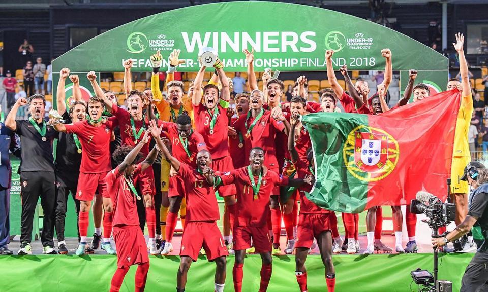 Há campeões europeus sem jogar e isso «é preocupante»