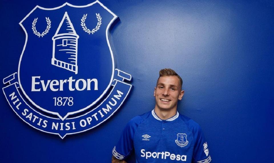 OFICIAL: Lucas Digne reforça Everton de Marco Silva