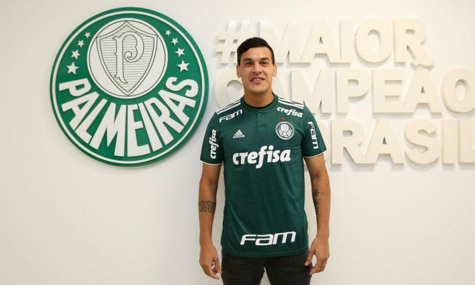 OFICIAL: Milan empresta internacional paraguaio ao Palmeiras
