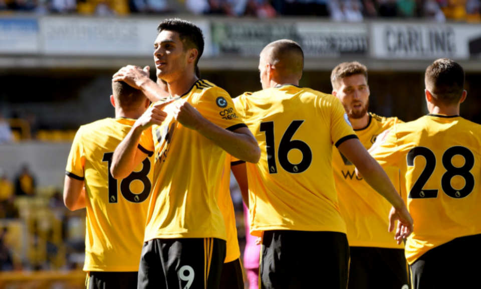 Jimenez dá vitória ao Wolves depois de Rúben Neves falhar penálti
