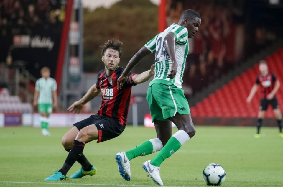 Betis vence Cardiff com William a titular e golo de ex-FC Porto
