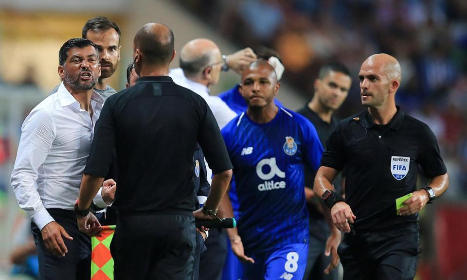 FC Porto: Conceição escapa a suspensão e pode estar no banco