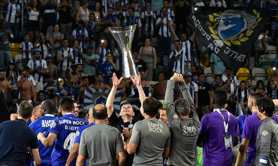 Federação espanhola felicita Casillas pela conquista da Supertaça