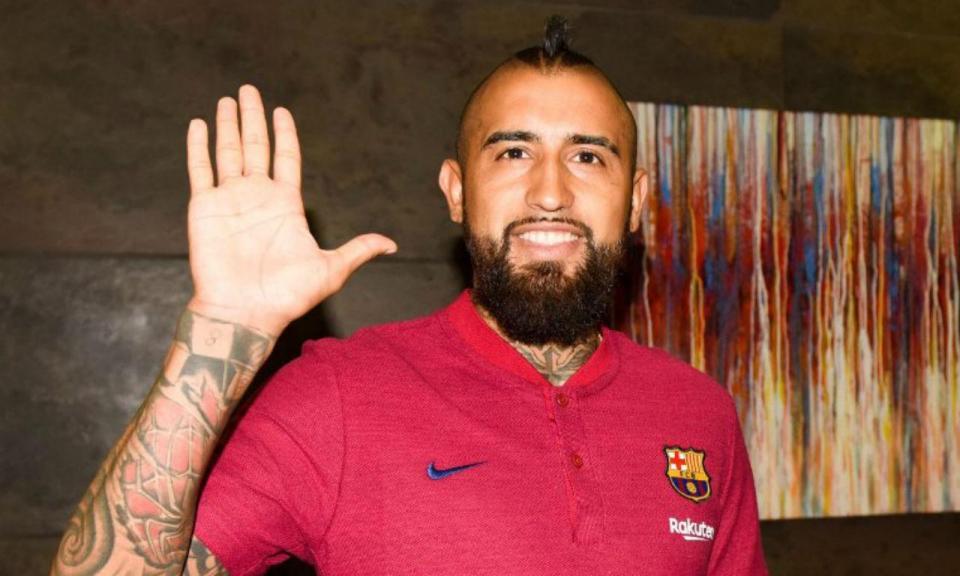 VÍDEO: Vidal já veste à Barcelona: «Vou deixar a vida em campo»