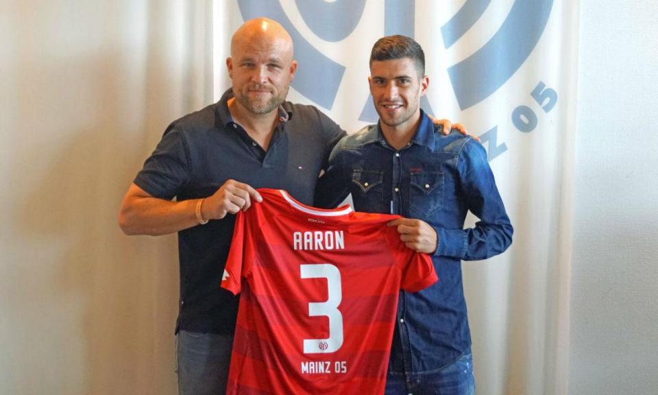 OFICIAL: Aarón Martín é reforço do Mainz