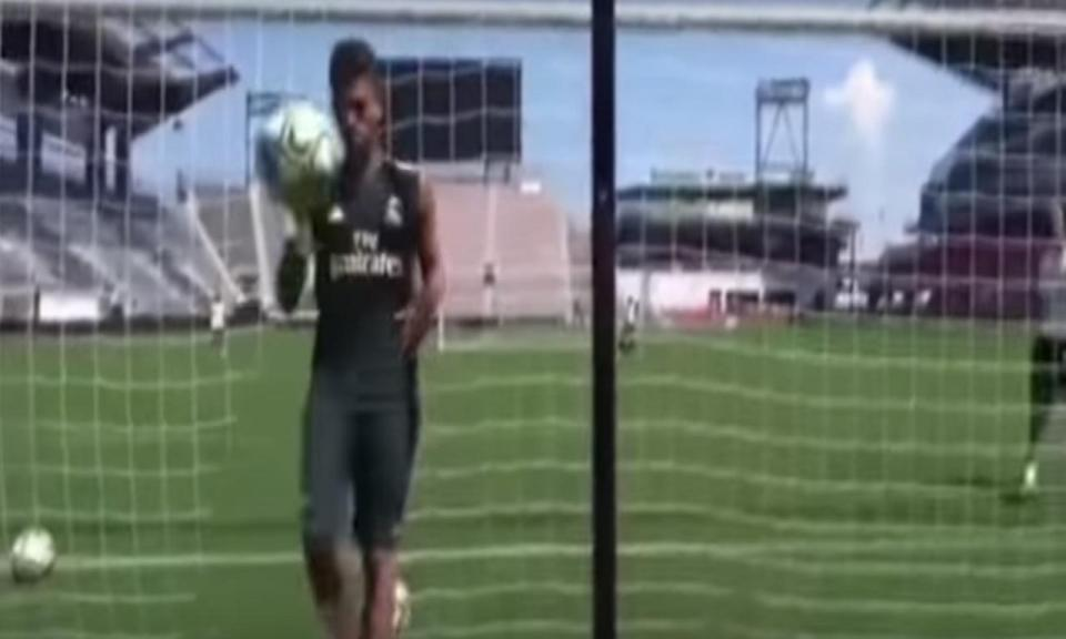 VÍDEO: Ceballos marca golo sensacional no treino do Real Madrid