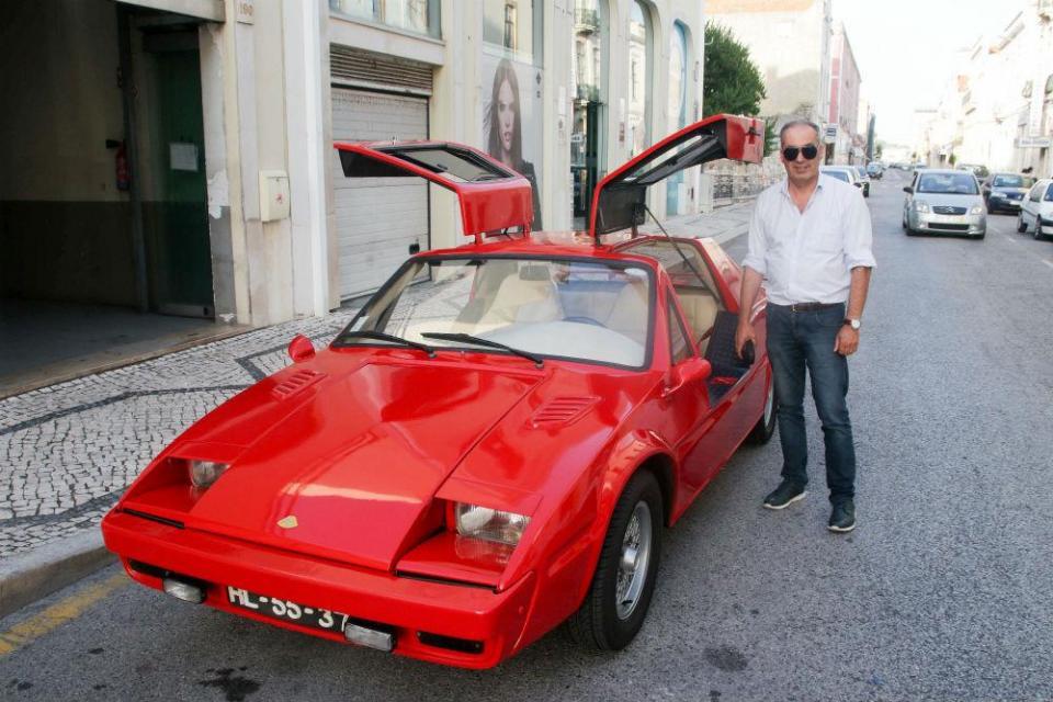 Único carro desportivo construído na Figueira da Foz volta a casa 30 anos  depois 14126bd7d437c