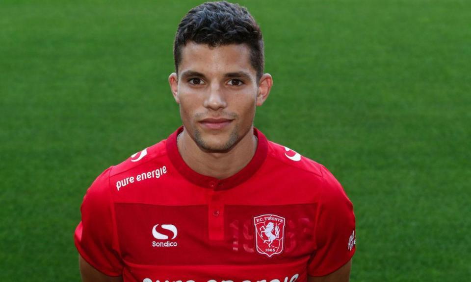 OFICIAL: Rafael Ramos é reforço do Twente