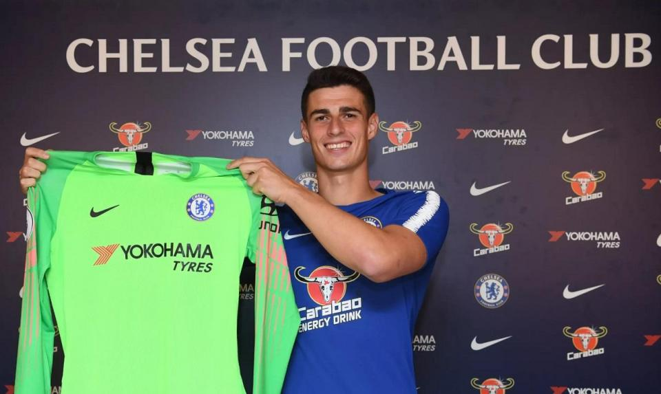 Inglaterra: Chelsea anuncia Kepa com contrato até aos 30 anos