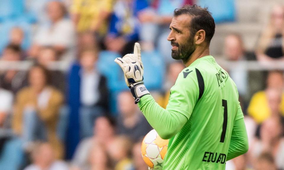 Holanda: Eduardo estreia-se com goleada pelo Vitesse na liga