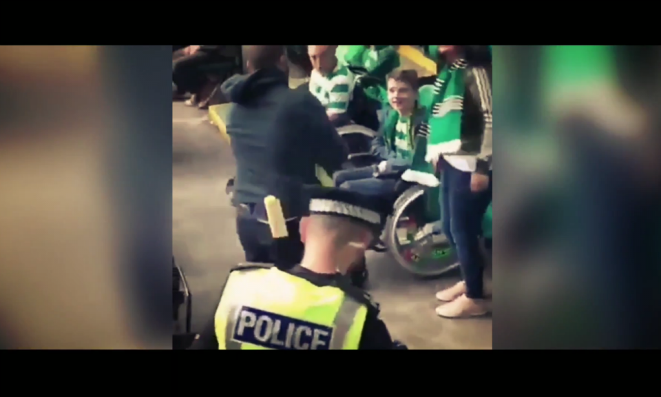VÍDEO: belo momento entre os adeptos do Celtic e do AEK