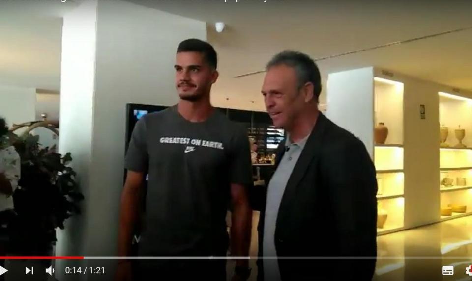 VÍDEO: André Silva já está em Sevilha para assinar contrato