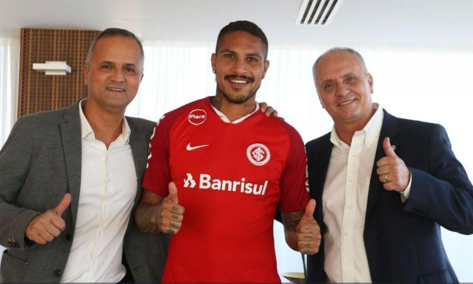 OFICIAL: Guerrero troca o Flamengo pelo Internacional