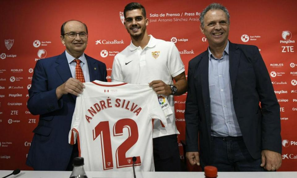 bd26163998 André Silva na lista do Sevilha para o play-off da Liga Europa ...